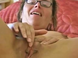 Sexy Mature Honey Beats Off Upornia Com